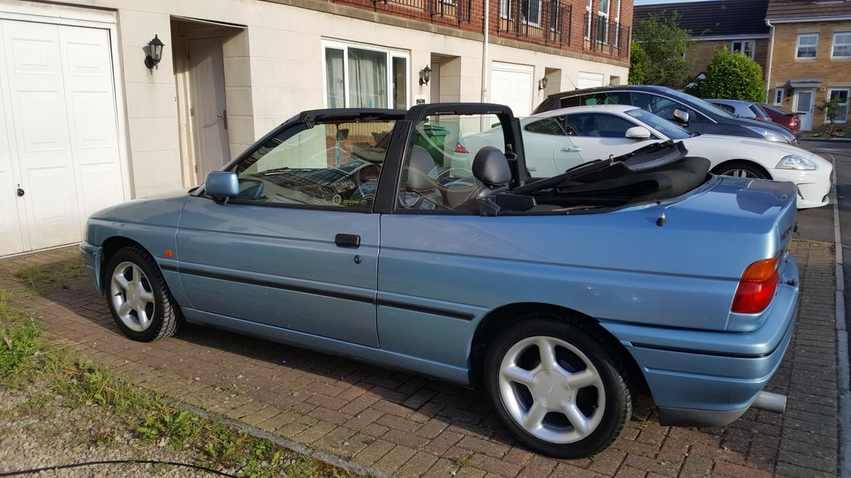 1993 Ford Escort XR3i Cabriolet  For Sale (picture 4 of 6)