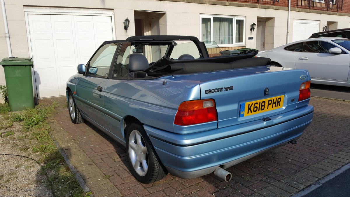 1993 Ford Escort XR3i Cabriolet  For Sale (picture 5 of 6)