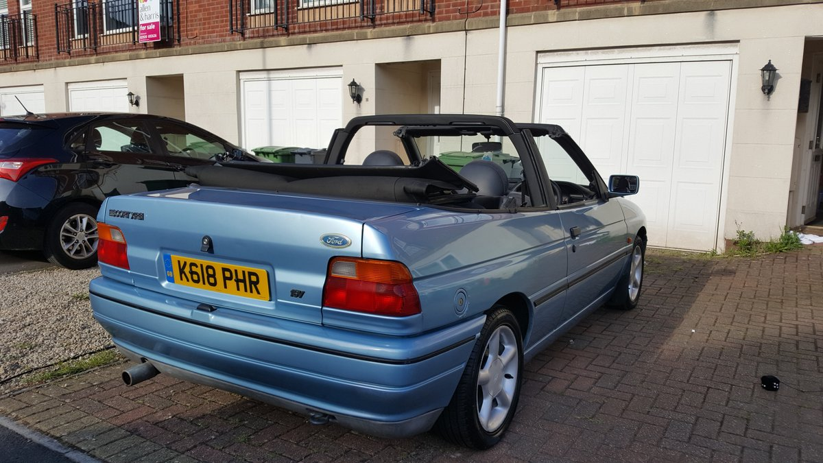 1993 Ford Escort XR3i Cabriolet  For Sale (picture 6 of 6)