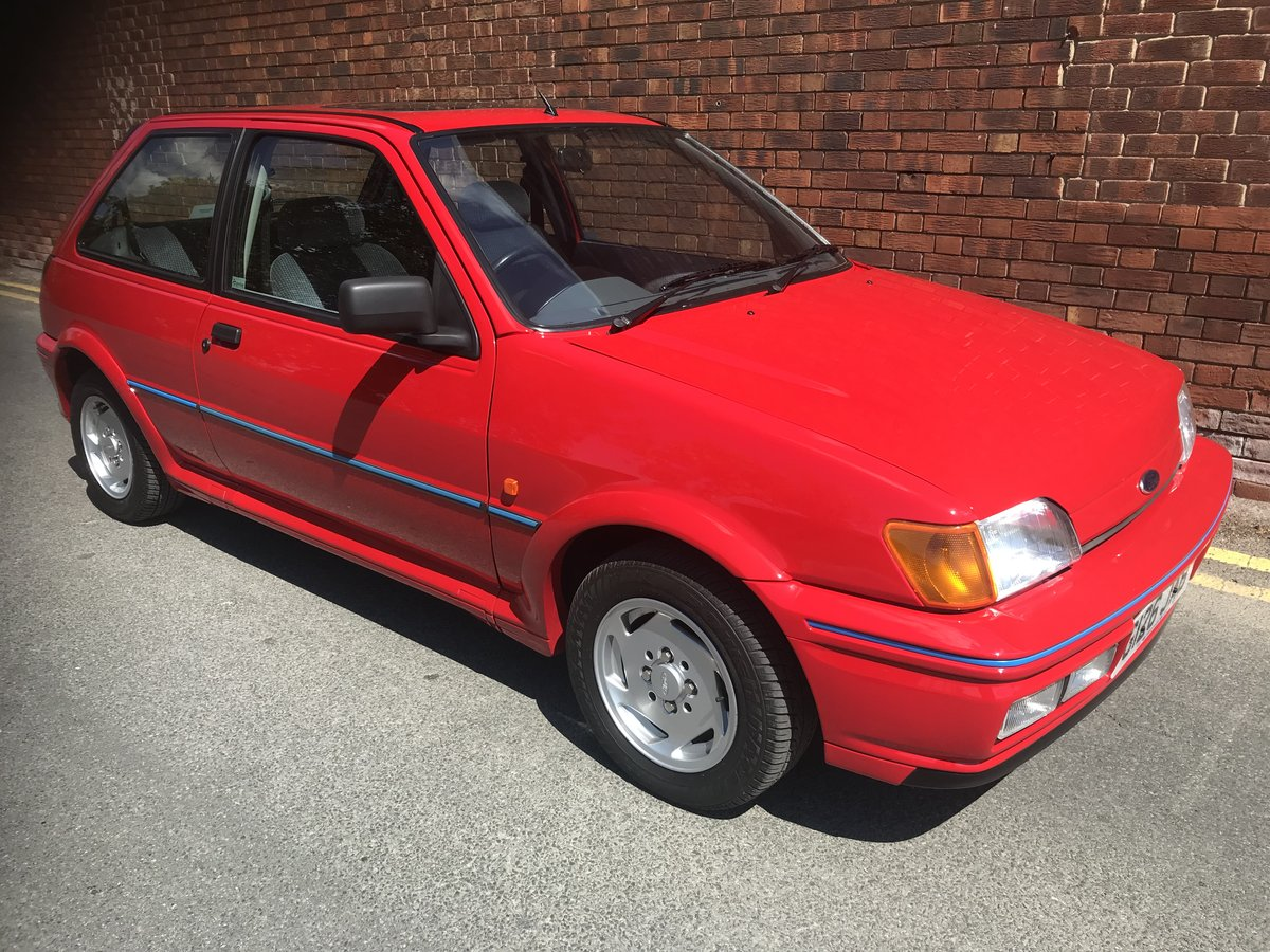 1990 Ford Fiesta XR2i in show winning condition For Sale (picture 3 of 6)