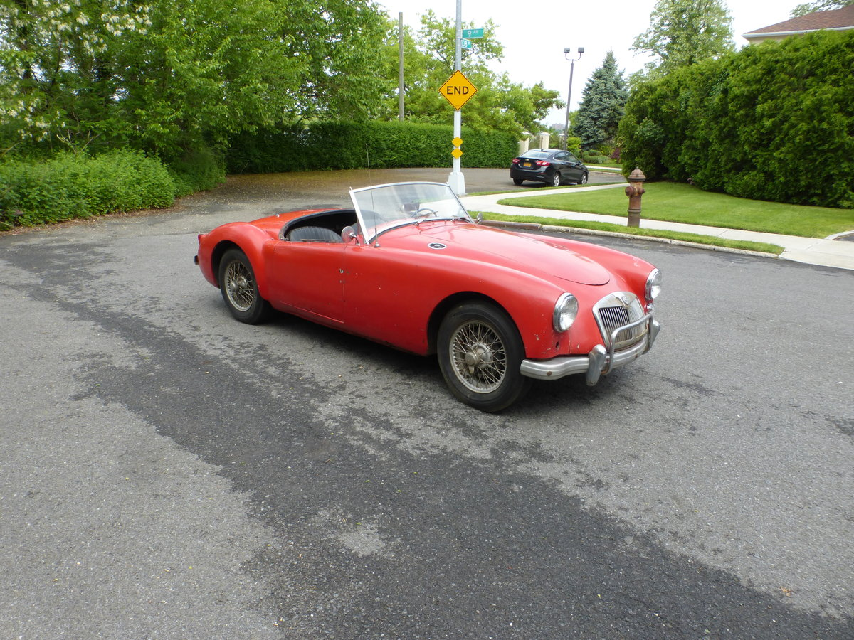 1957 MG A 1500 Roadster Runs Drives Needs Restoration - For Sale (picture 1 of 6)