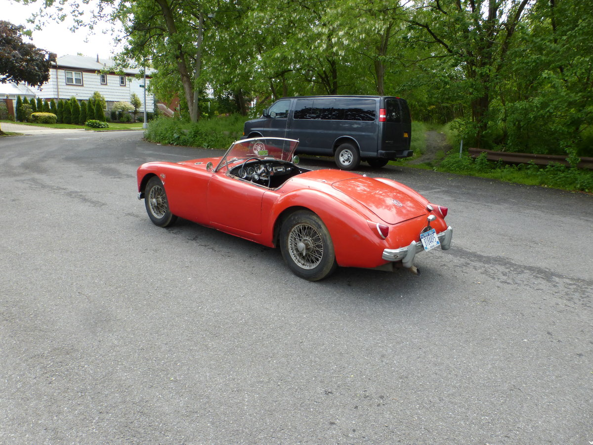 1957 MG A 1500 Roadster Runs Drives Needs Restoration - For Sale (picture 4 of 6)