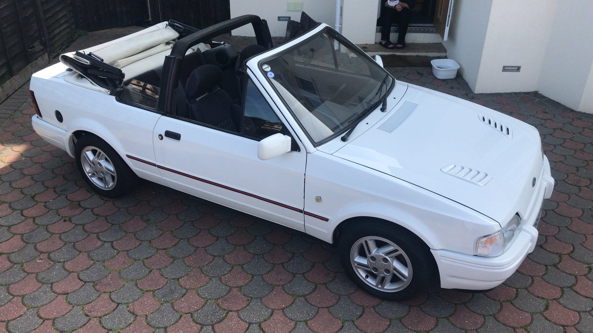 1988 Ford Escort 1.6i Cabriolet For Sale (picture 1 of 6)