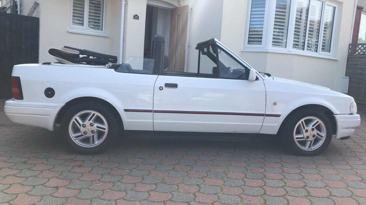 1988 Ford Escort 1.6i Cabriolet For Sale (picture 4 of 6)