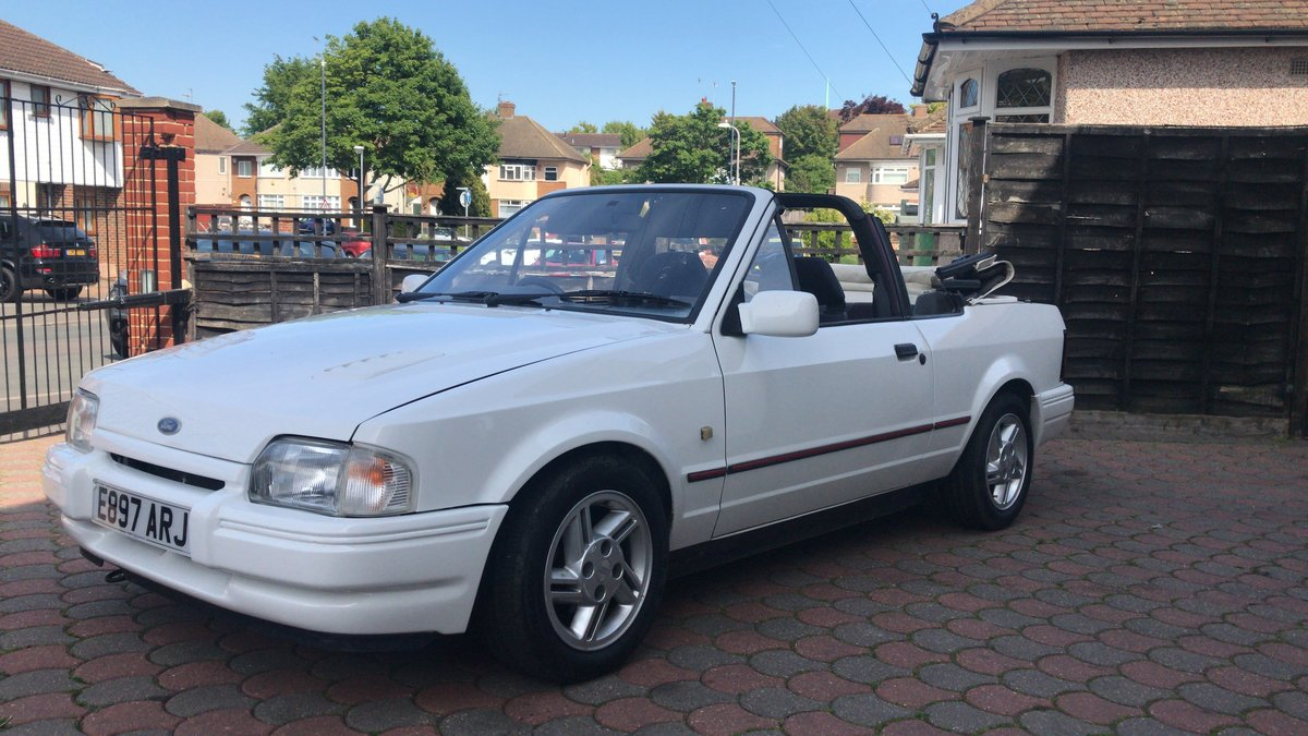 1988 Ford Escort 1.6i Cabriolet For Sale (picture 5 of 6)
