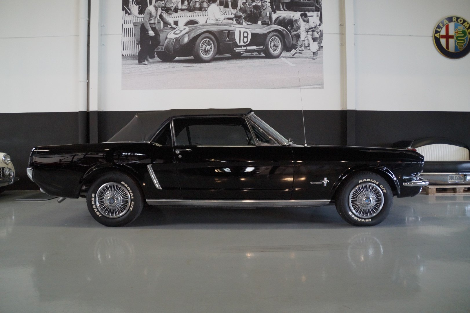 FORD MUSTANG Convertible Triple Black (1965) For Sale (picture 3 of 6)