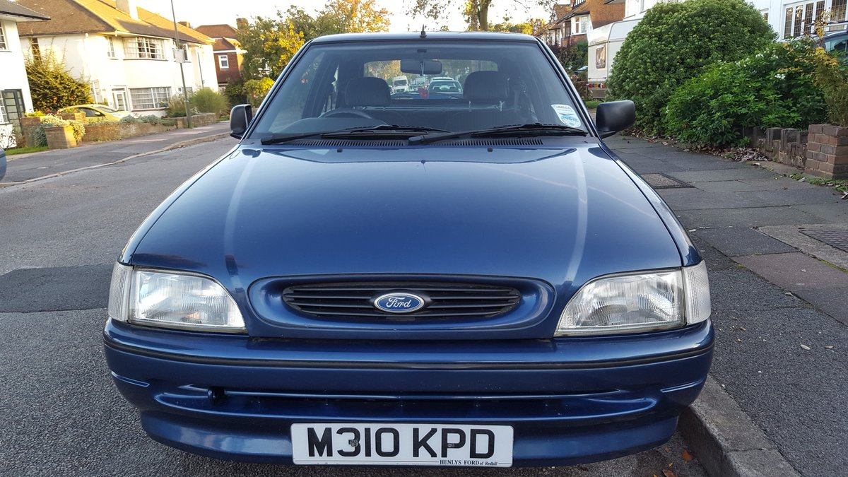 1995 Ford Escort 3-door hatchback low mileage. For Sale (picture 2 of 6)