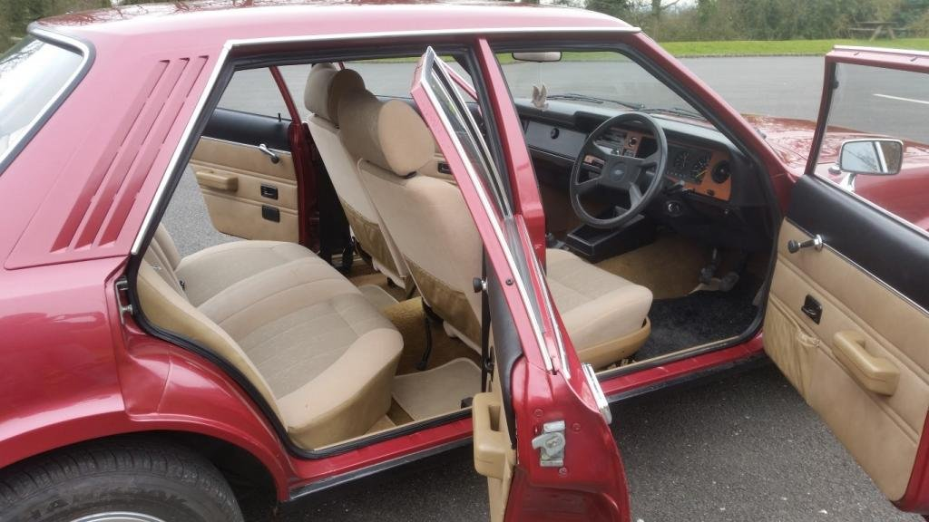 1979 ford cortina GL 2.0 jupiter red SOLD (picture 4 of 6)