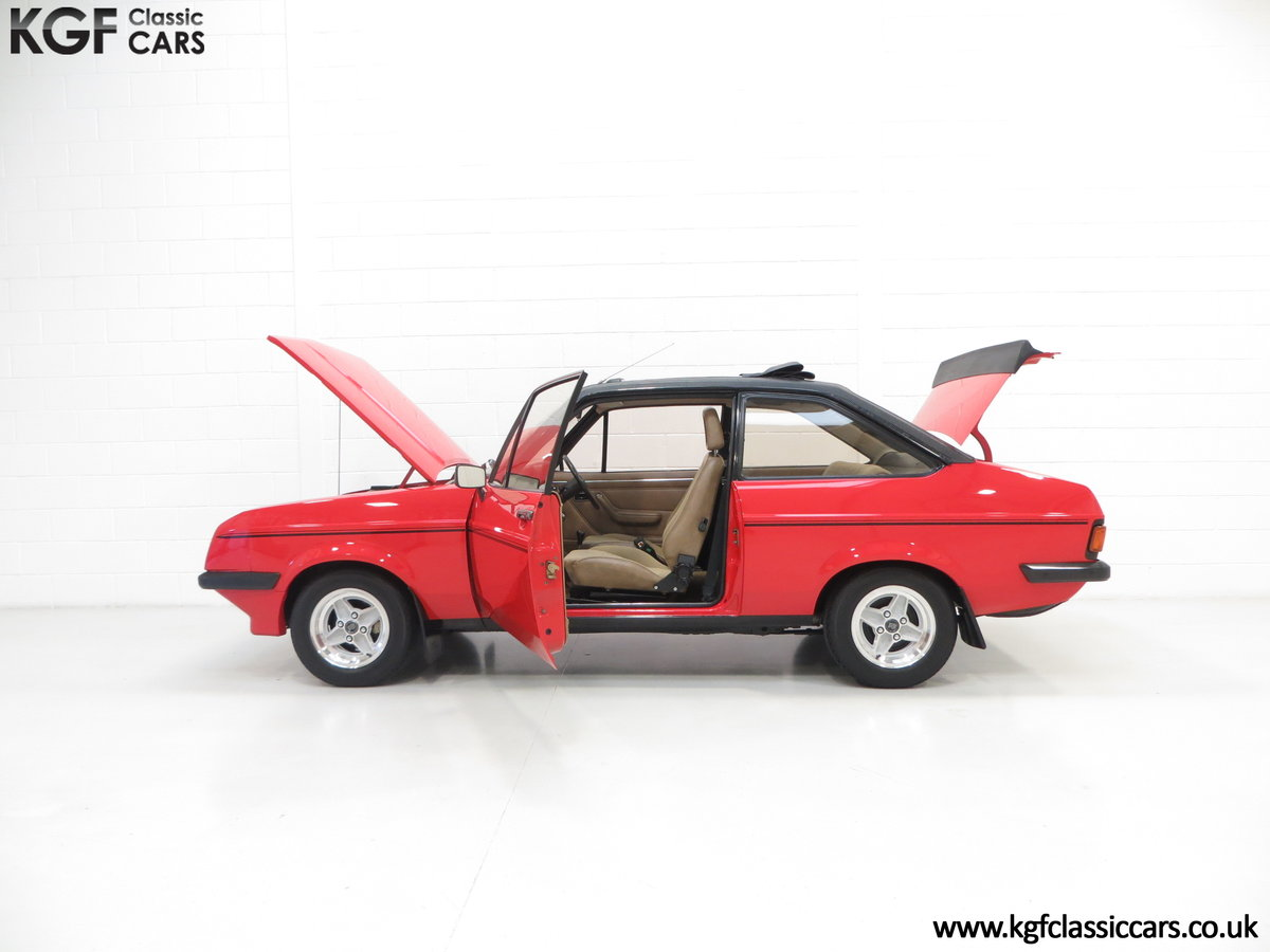 1980 A Ford Escort Mk2 RS2000 Custom with 27,207 Miles SOLD (picture 3 of 6)