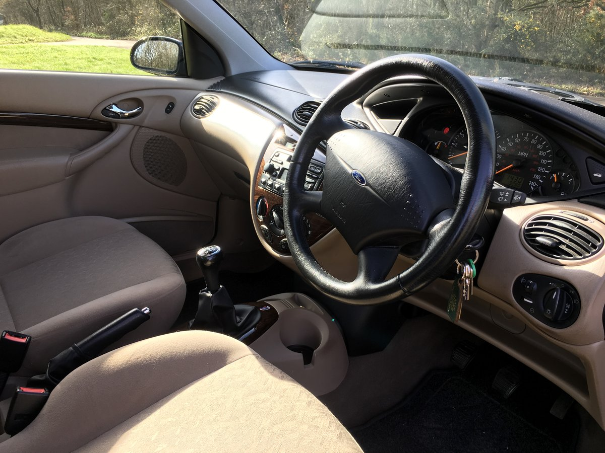 Immaculate 2000 (x) ford focus 1.8 ghia 20k Miles For Sale (picture 4 of 6)