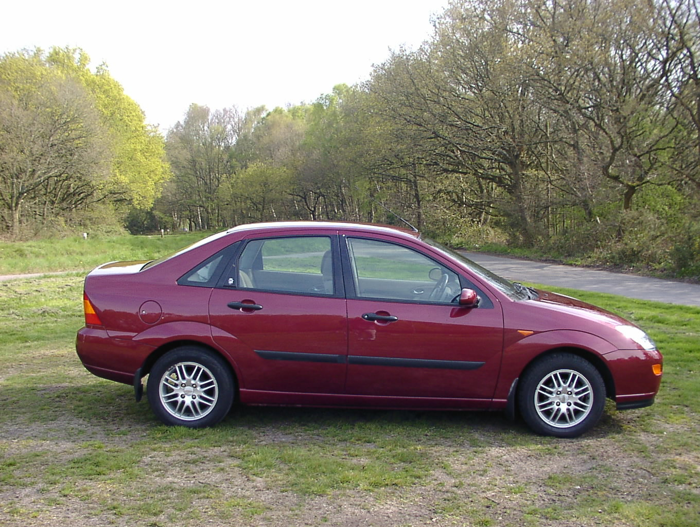 Immaculate 2000 (x) ford focus 1.8 ghia 20k Miles For Sale (picture 5 of 6)