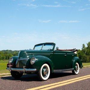 1939 Ford Deluxe Roadster Sedan = Go Green(~)Brown $31.9k