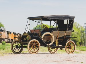 1910 Ford Model T Touring