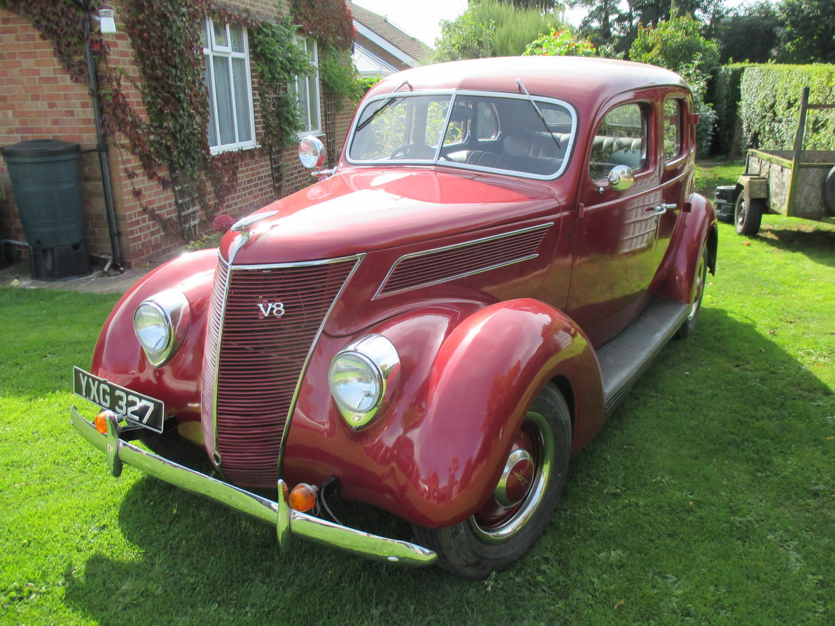 1937 Ford V8 4door saloon Right hand drive For Sale (picture 1 of 6)
