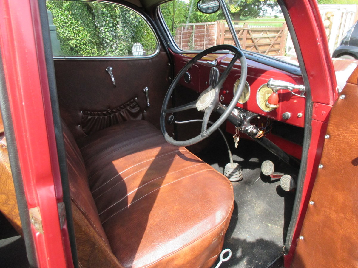 1937 Ford V8 4door saloon Right hand drive For Sale (picture 4 of 6)