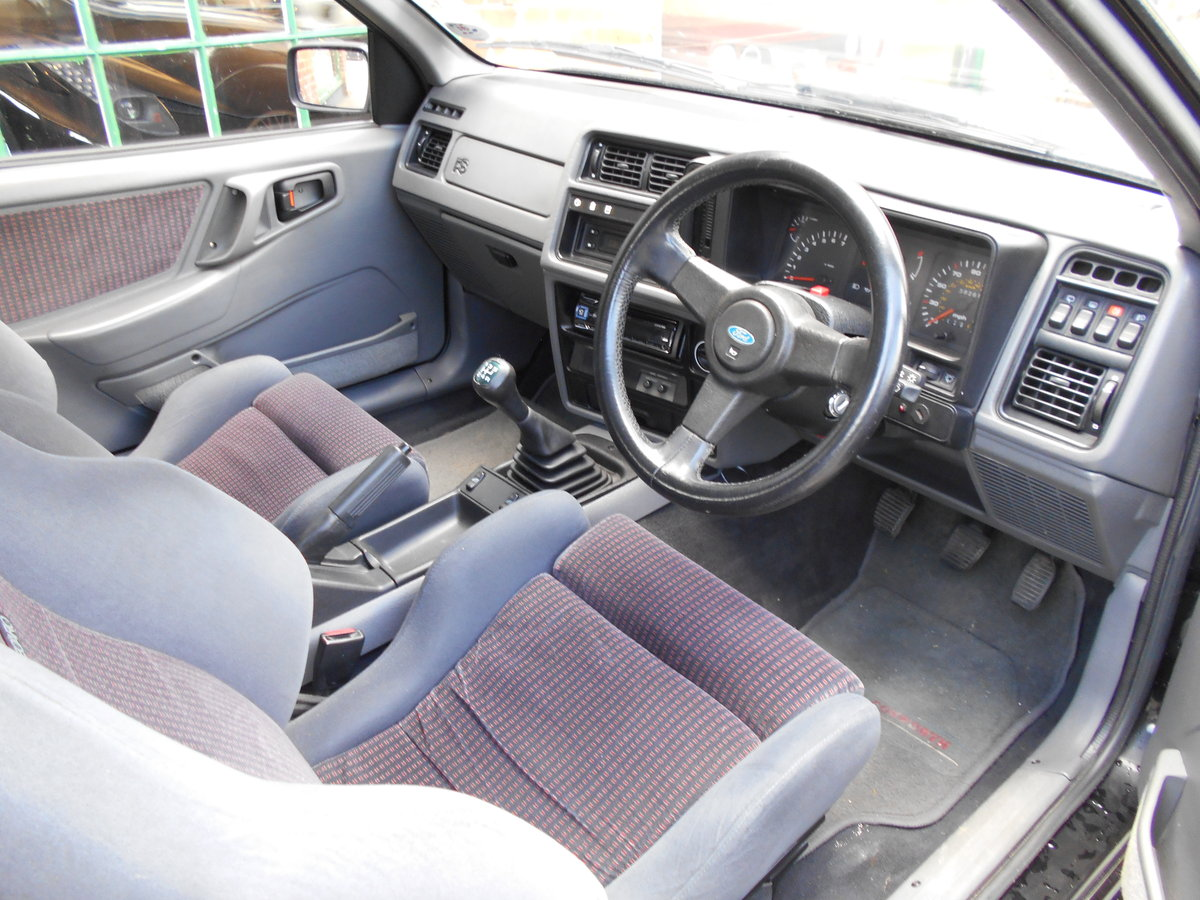 1986 Ford Sierra Cosworth  For Sale (picture 4 of 6)