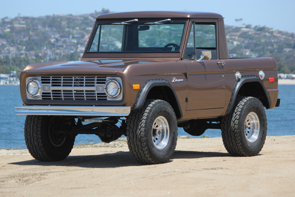 1971 Ford Bronco = 302 auto Mods Buckets Solid driver $46.5k For Sale (picture 1 of 6)