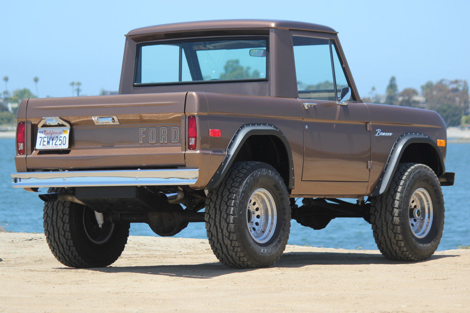 1971 Ford Bronco = 302 auto Mods Buckets Solid driver $46.5k For Sale (picture 2 of 6)