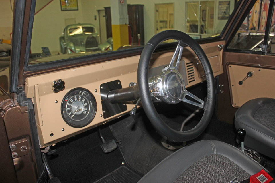 1971 Ford Bronco = 302 auto Mods Buckets Solid driver $46.5k For Sale (picture 5 of 6)