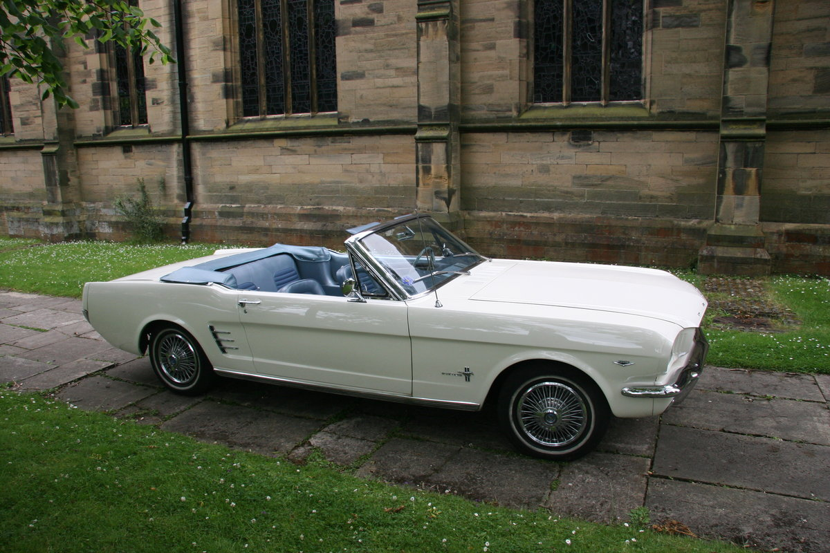 HIRE SELF DRIVE 1966 MUSTANG V8 CONVERTIBLE For Hire (picture 5 of 5)