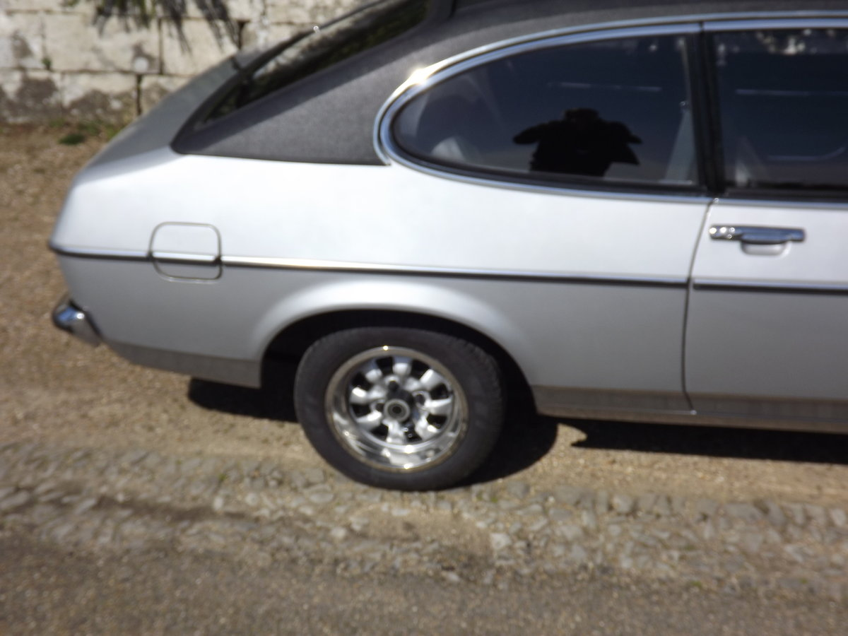 Ford Capri 1976, 2.0GL - 12,800 miles For Sale (picture 4 of 6)