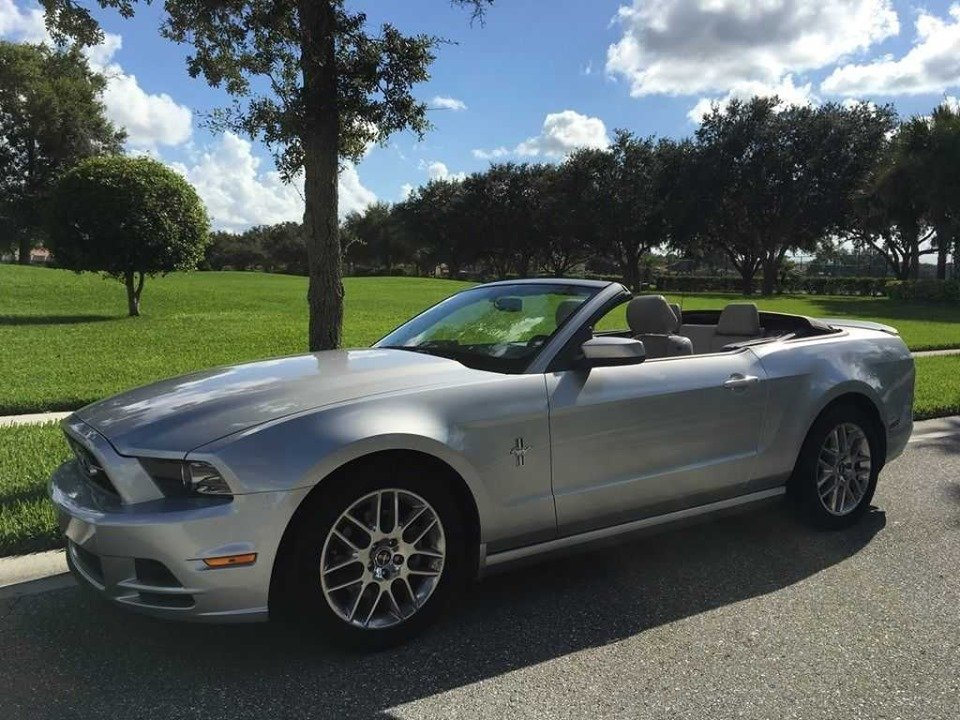 2014 Premium Ford Mustang convertible (Houston, TX) $19,995 For Sale (picture 1 of 6)
