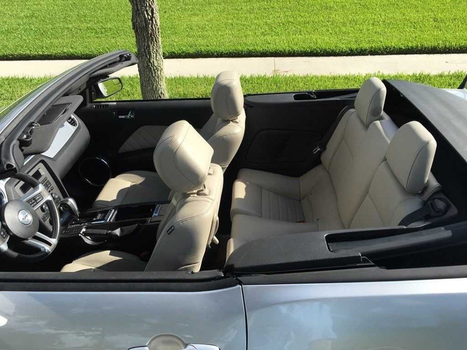 2014 Premium Ford Mustang convertible (Houston, TX) $19,995 For Sale (picture 6 of 6)