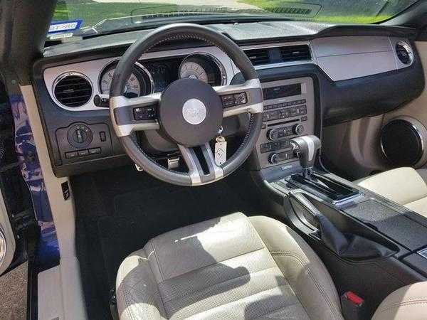2010 Ford Mustang convertible (Houston, TX) $10,750 obo For Sale (picture 4 of 6)