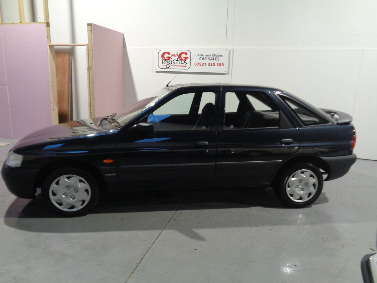 1995 Ford escort mexico 1.6 ltd edition - 28,000 miles  For Sale (picture 2 of 6)