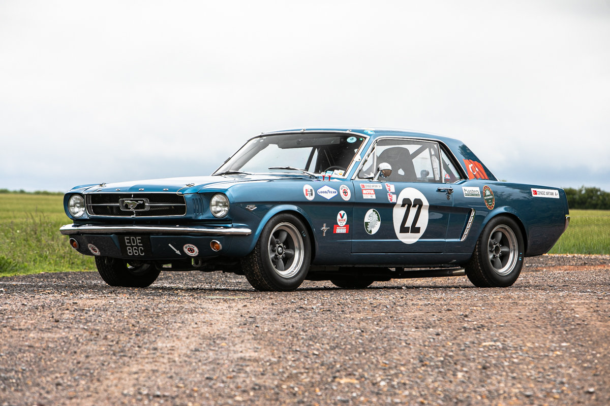 1965 Ford Mustang 289 Notchback race car SOLD by Auction (picture 1 of 6)