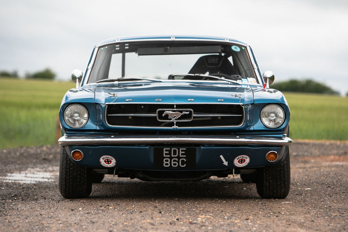1965 Ford Mustang 289 Notchback race car SOLD by Auction (picture 2 of 6)