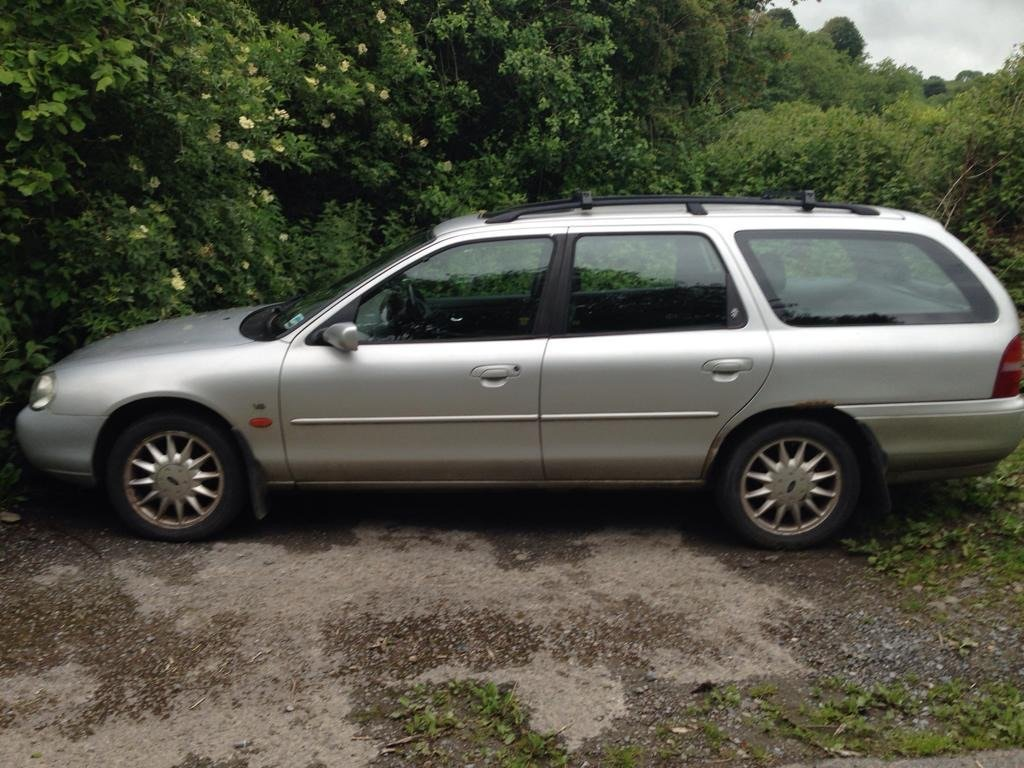 1999 Mondeo mk2 2.5 V6 Ghia X Estate renovation project For Sale (picture 1 of 6)