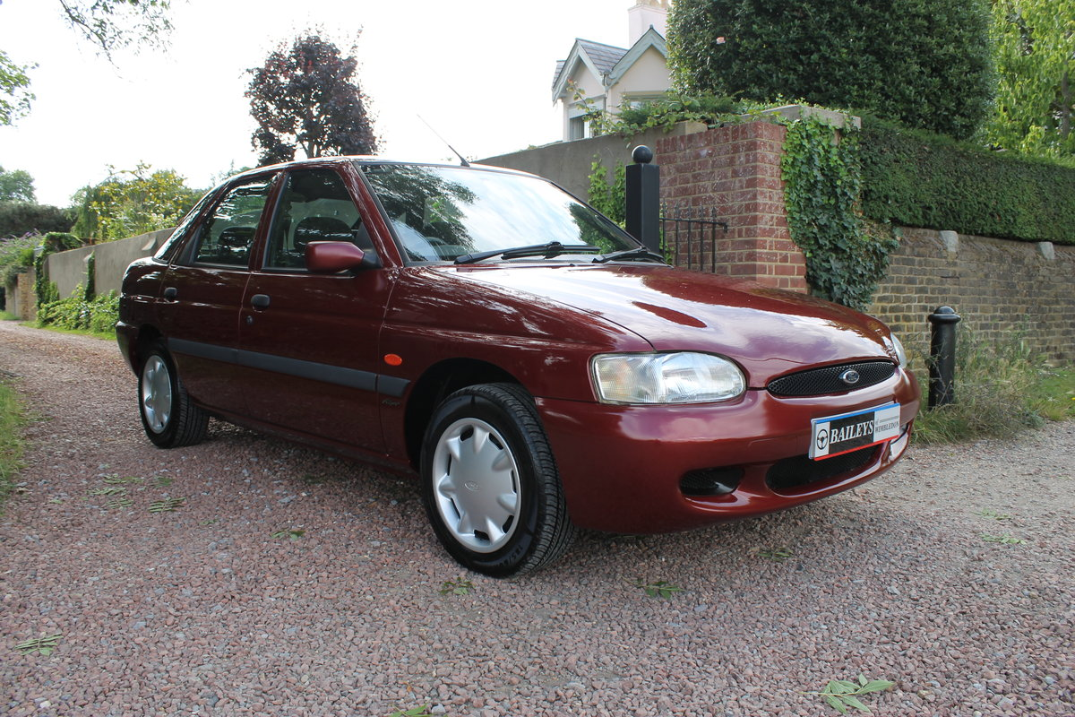 2000 Ford Escort MkVI 1.6 'Flight' With Just 13k Miles Since New For Sale (picture 1 of 6)