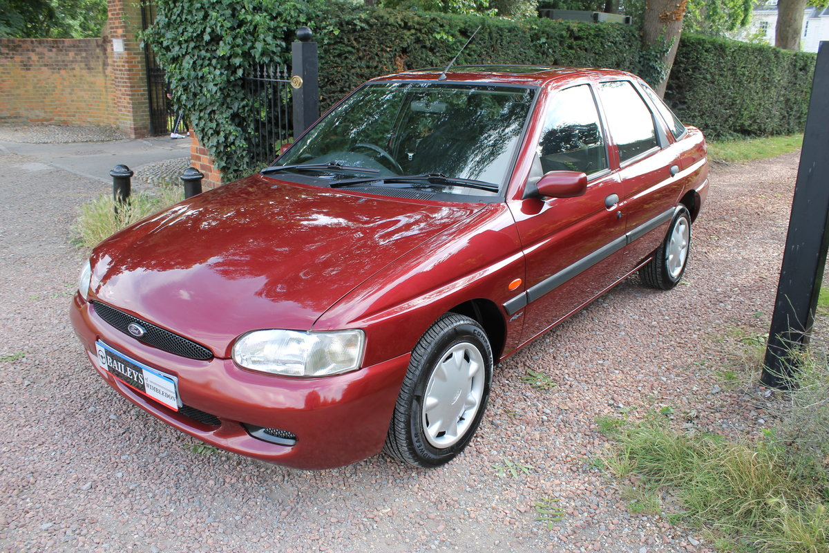 2000 Ford Escort MkVI 1.6 'Flight' With Just 13k Miles Since New For Sale (picture 3 of 6)