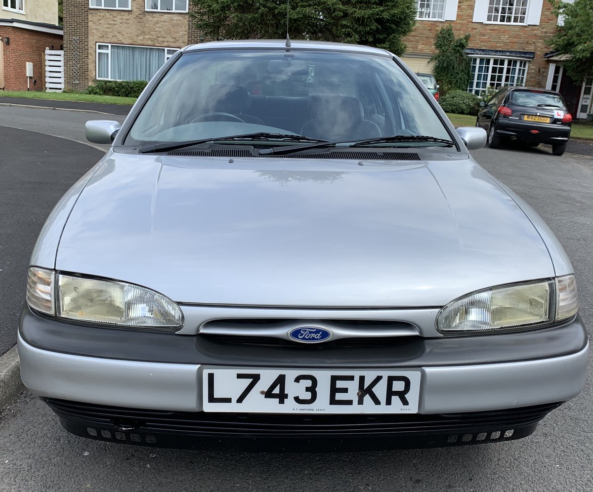 RARE! Ford Mondeo 1.8GLX 1994 Saloon Fab Condition For Sale (picture 2 of 6)