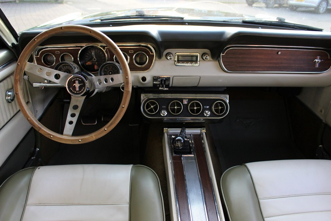 1966 Mustang GT 302 V8 - Tremec T5 manual For Sale (picture 5 of 6)