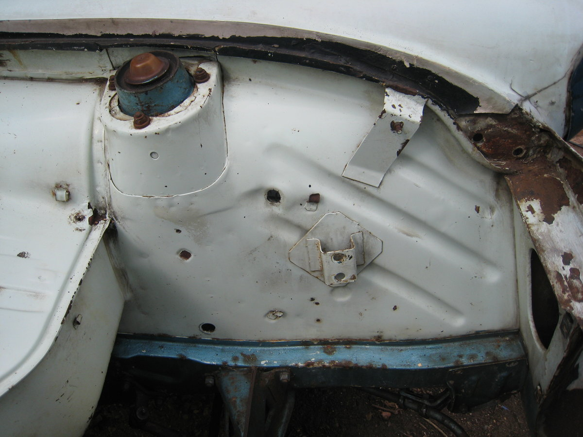 1968 Ford Anglia  SOLD (picture 5 of 6)