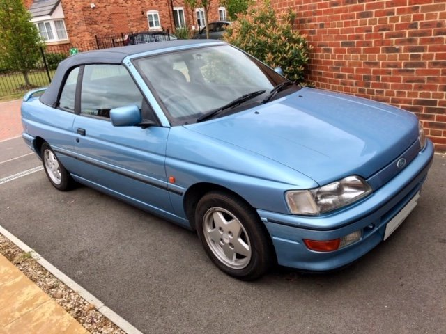1992 RARE German built 130Bhp XR3i Convertible For Sale (picture 2 of 6)