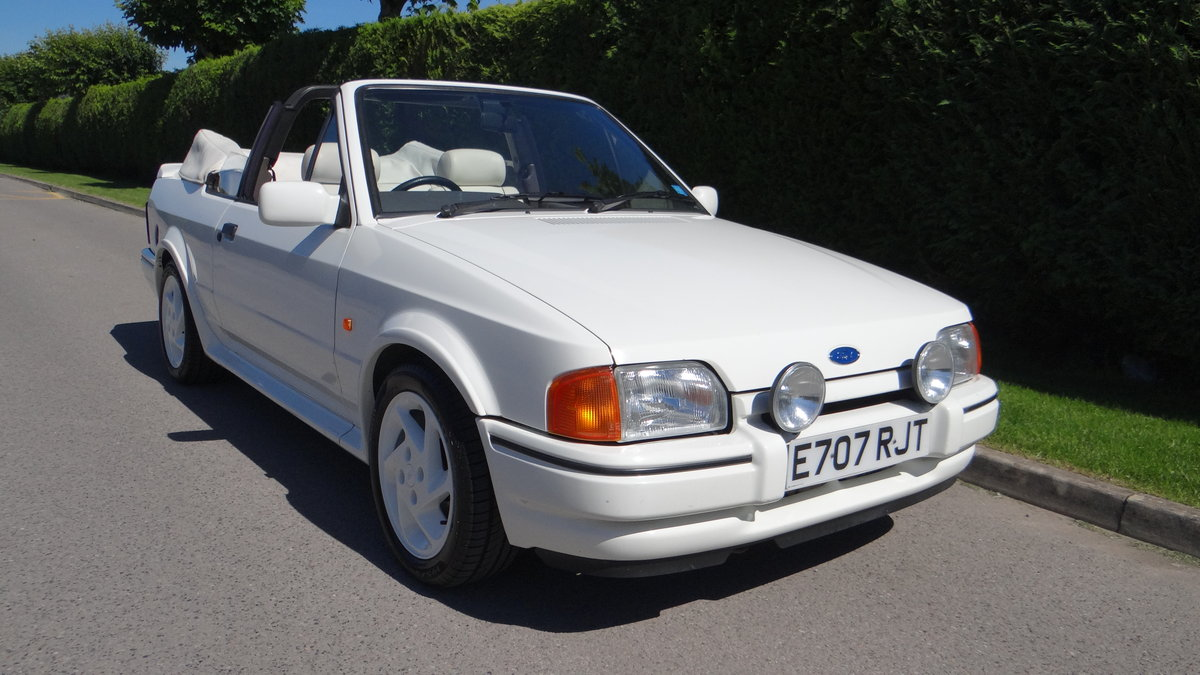 1988 Escort Xr3i cabriolet all white special edition For Sale (picture 1 of 6)