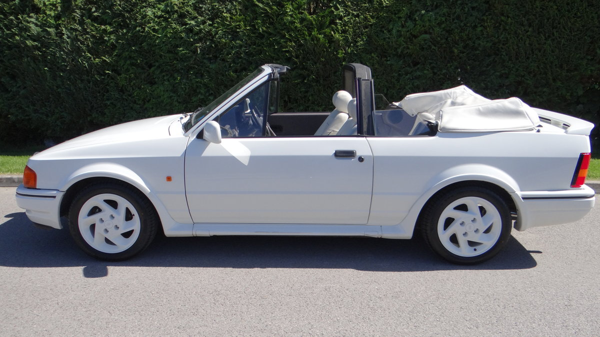 1988 Escort Xr3i cabriolet all white special edition For Sale (picture 2 of 6)
