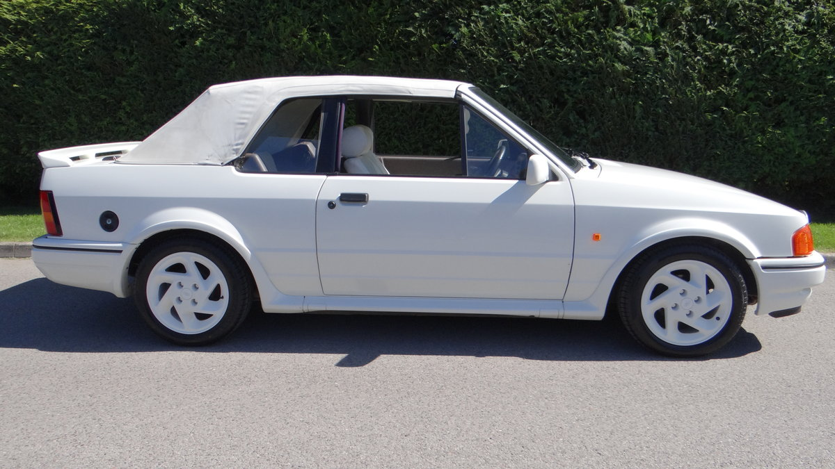 1988 Escort Xr3i cabriolet all white special edition For Sale (picture 6 of 6)