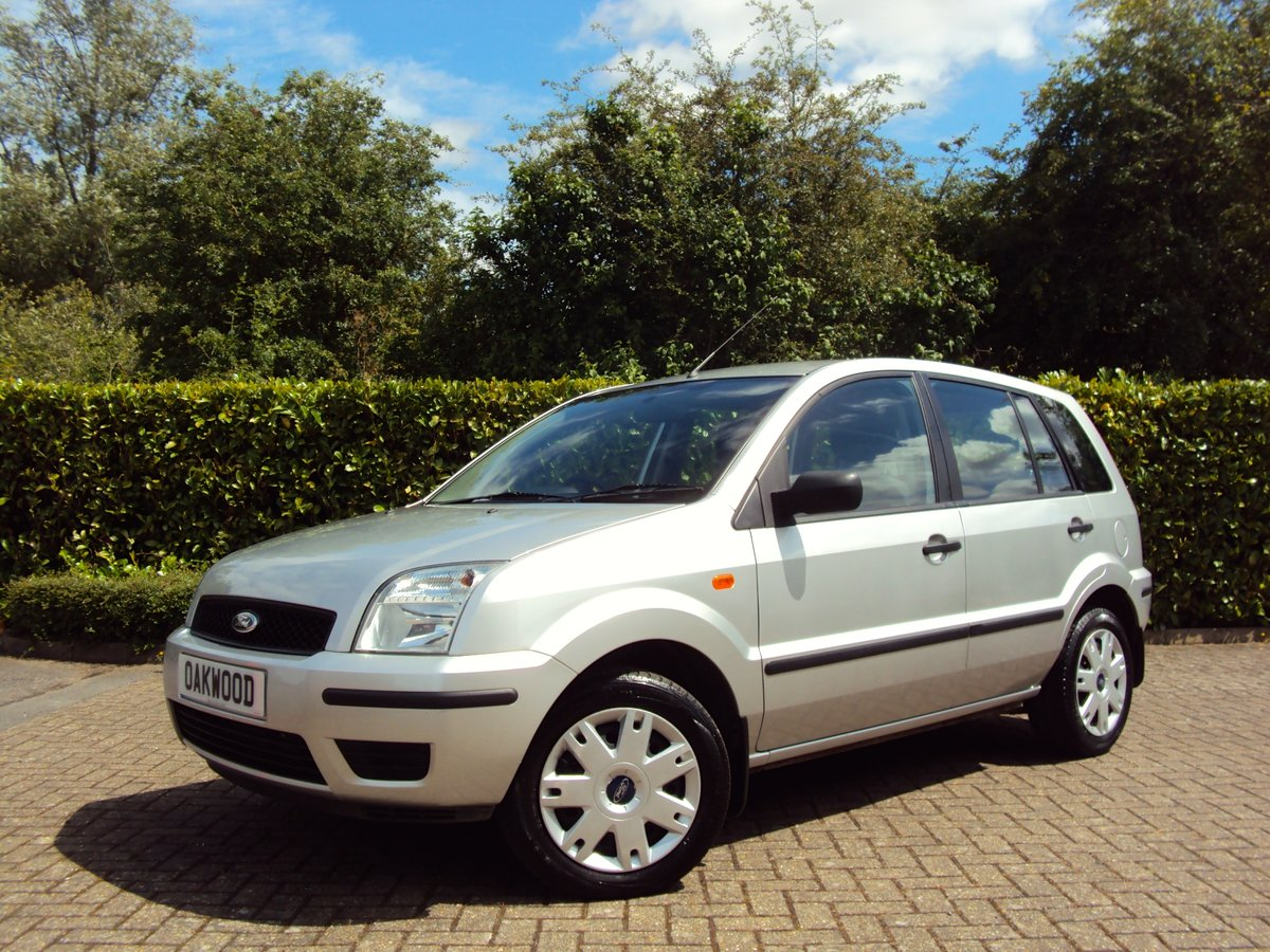 2005 A Lovely Ford Fusion 1.4 2 ONLY 27,000 MILES & FMDSH!! For Sale (picture 1 of 6)