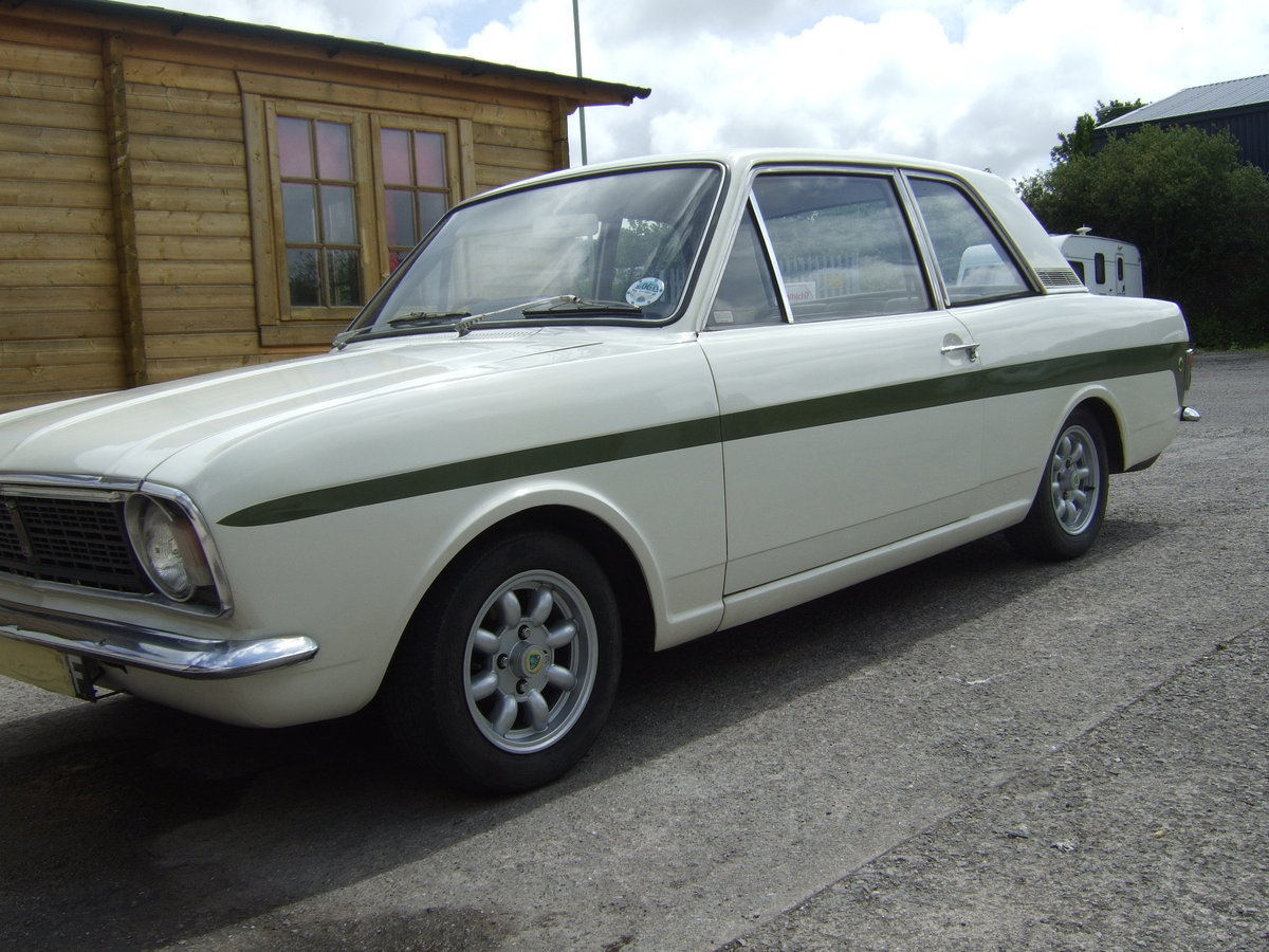 FORD CORTINA  LOTUS  MK2 Series 1  1967 For Sale (picture 1 of 6)