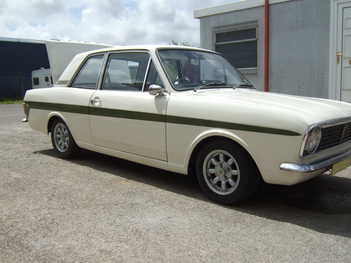 FORD CORTINA  LOTUS  MK2 Series 1  1967 For Sale (picture 3 of 6)