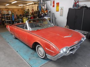 Ford Thunderbird Convertible '50 (to restore)