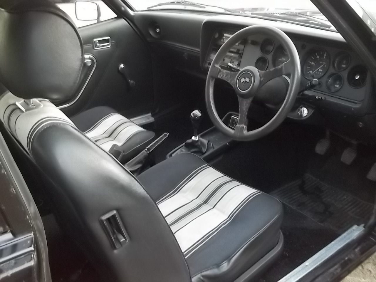 1977 Ford Capri 2.0S 1 owner from new SOLD (picture 3 of 6)