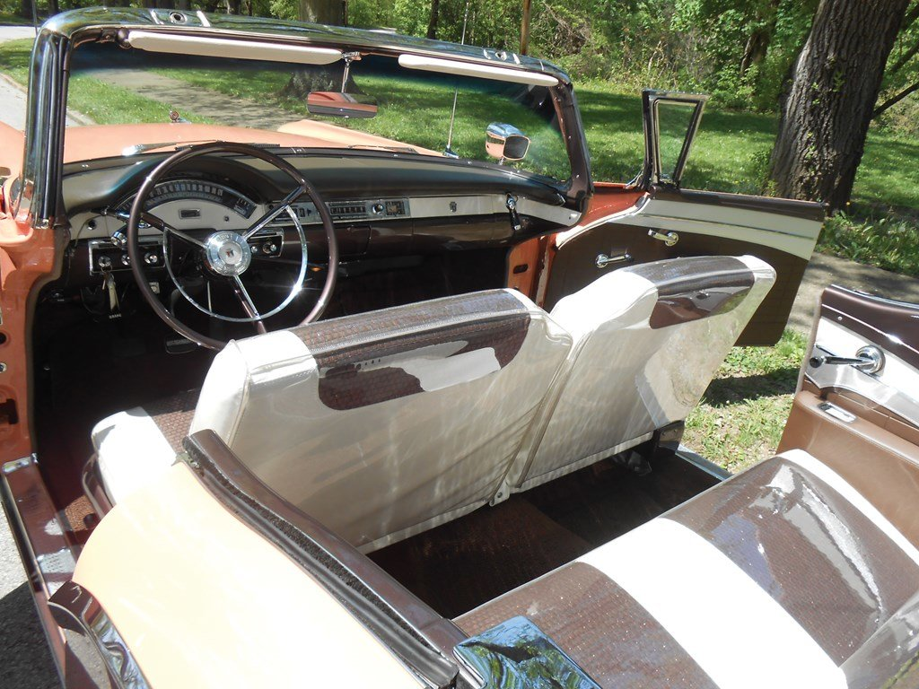 1957 Ford Fairlane Skyliner Retractable (E Code)  For Sale by Auction (picture 4 of 6)
