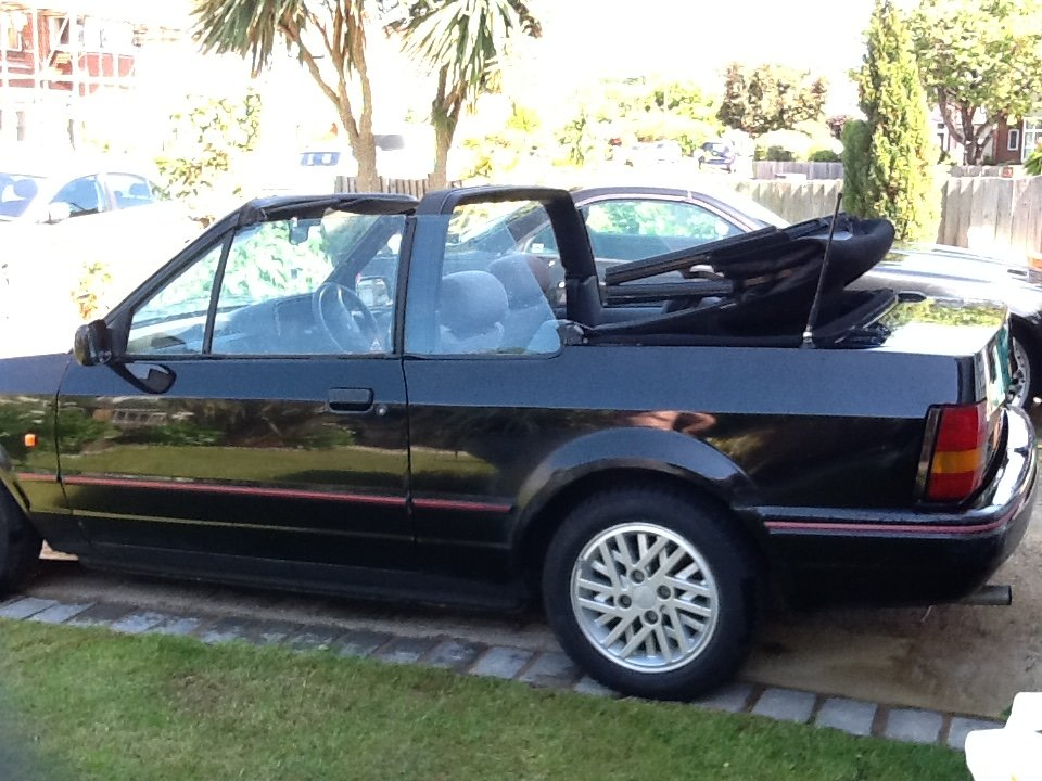 1990 Ford Escort 1.6 Cabriolet Black For Sale (picture 1 of 6)