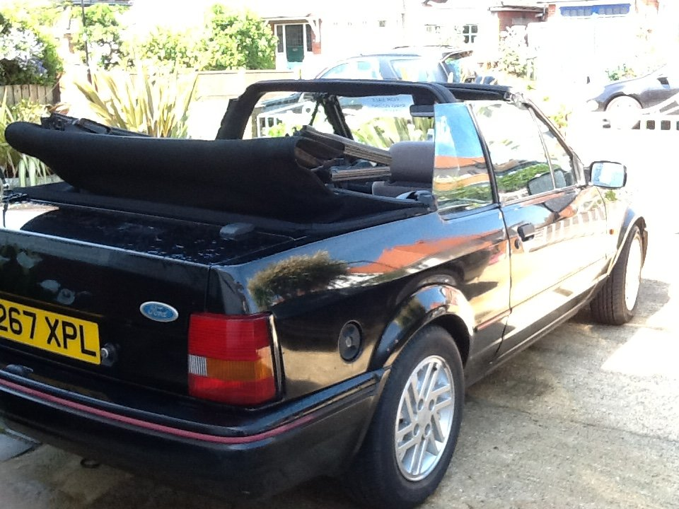 1990 Ford Escort 1.6 Cabriolet Black For Sale (picture 6 of 6)