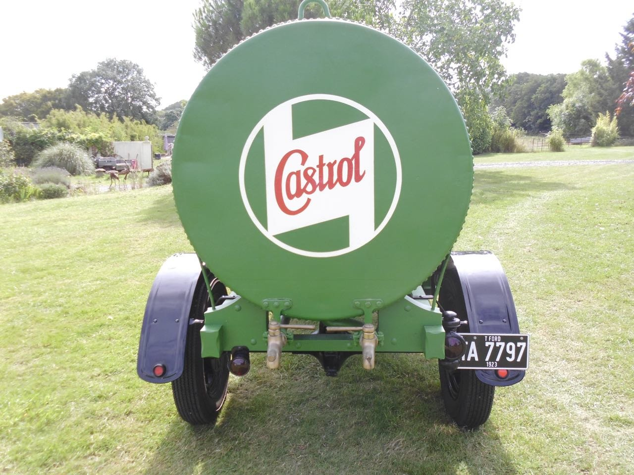 1923 Ford model T oil tanker Fully Restored For Sale (picture 3 of 6)